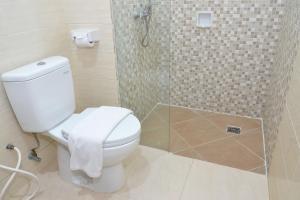 ZEN Rooms Kedung Sari Wonorejo, Hotely  Surabaya - big - 22