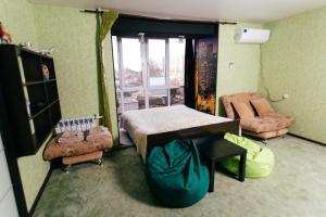 Apartment Chichkanova 70B