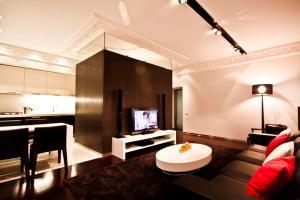 Hi-Tech Home Apartments on Nevskiy prospekt 133