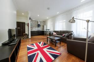 Hi-Tech Home Apartments on Nevskiy prospekt 119
