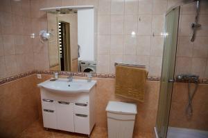 Villa in Nesvizh, Villen  Nyasvizh - big - 7