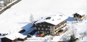 Ski in Ski out Hotel Unterellmau, Отели  Залбах - big - 46