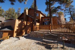 Boulder Bay Castle by Big Bear Cool Cabins