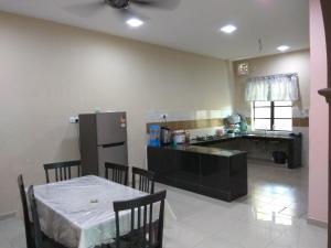 Indera Sempurna Kuantan, Ubytování v soukromí  Kuantan - big - 4