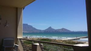 Leisure Bay Beachfront 205