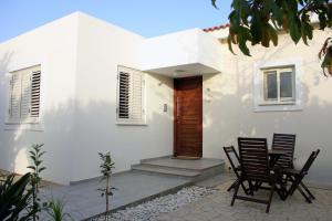 Ameli Beach House