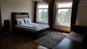 Grand'Or Studio Apartments, Apartmány  Oradea - big - 22