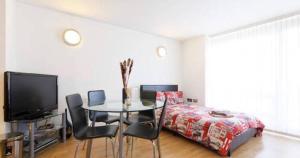Canary Wharf apartment