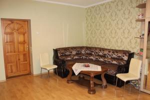 Apartment on Admiralskaya 4