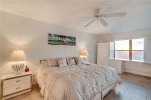 Reflections on the Gulf - Two Bedroom Condo - 504, Апартаменты  Клеруотер-Бич - big - 12