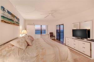 Reflections on the Gulf - Two Bedroom Condo - 504, Апартаменты  Клеруотер-Бич - big - 14