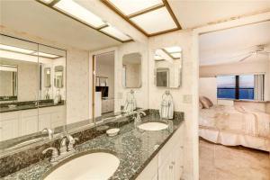Reflections on the Gulf - Two Bedroom Condo - 504, Апартаменты  Клеруотер-Бич - big - 18