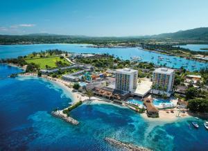 斯凯普梦百Spa度假村 (Sunscape Splash Montego Bay Resort and Spa)