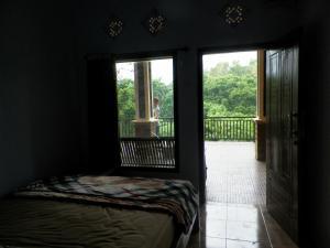 Pondok Pinang Homestay, Homestays  Licin - big - 13
