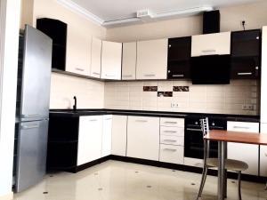 Apartment on Kolpakova 41 for 4 persons