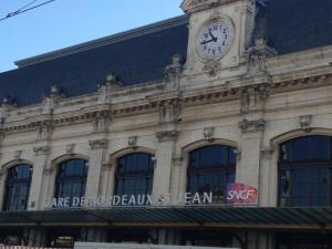 Gare Saint Jean (2mn) Appartements
