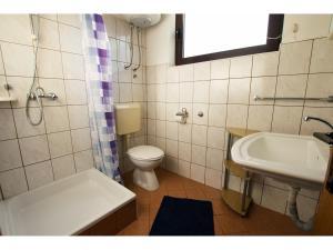 Apartments Trošelj, Ferienwohnungen  Starigrad-Paklenica - big - 7