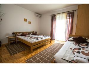 Apartments Trošelj, Ferienwohnungen  Starigrad-Paklenica - big - 22