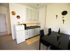 Apartments Trošelj, Ferienwohnungen  Starigrad-Paklenica - big - 24