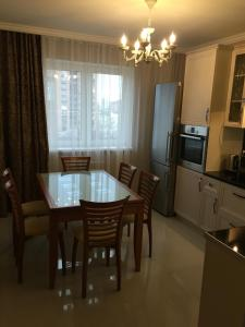 (Apartment on Khalturinskiy 206v)