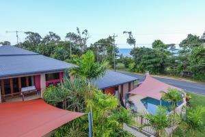 Pandanus Holiday Apartments - Mission Beach, Queensland, Australia