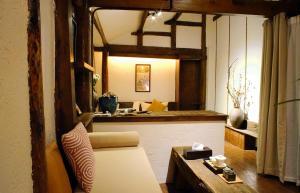 Lijiang Shang Gu Yuan Stone Inn (丽江尚古源石客栈)