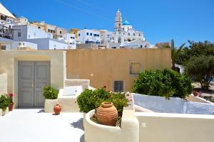 Pyrgos Houses by Voreina(Pyrgos)