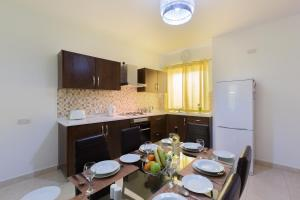 North Side Apartment 1, Apartmány  Mġarr - big - 10