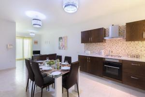 North Side Apartment 1, Apartmány  Mġarr - big - 7