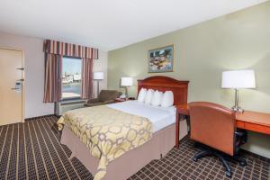Baymont Inn & Suites - Clarksville, Hotels  Clarksville - big - 12