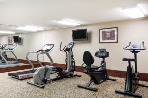 Baymont Inn & Suites - Clarksville, Hotels  Clarksville - big - 19