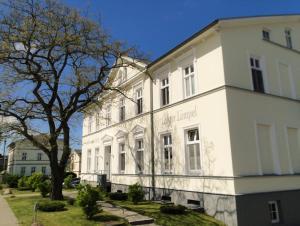 Ferienwohnung Lehrer Lämpel Nr. 3, Appartamenti  Glowe - big - 1