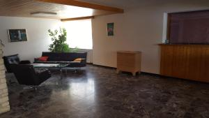 Alpen-Fewo, Residenza Quadra 115, Appartamenti  Flims - big - 7