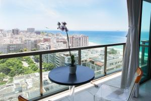 Ilive020 -2 bedroom Apartment Ipanema SEA VIEW
