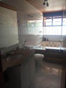 Casa Lagoa da Conceição, Case vacanze  Florianópolis - big - 7
