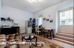 Apartment on Dekabristov 49