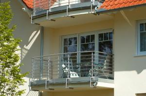 Ferienwohnung Juliane in der Villa zum Kronprinzen direkt gegenüber der Saarow Therme