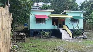 Winnifrenz Hostel
