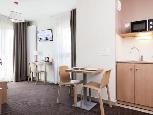 Comfort suites Porte de Genève 1
