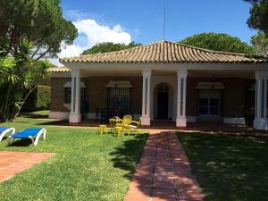 Chalet Villa España, Nyaralók  Roche - big - 6