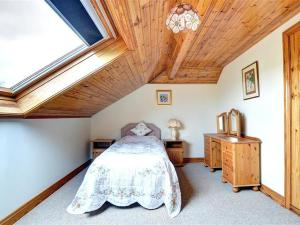 Holiday Home Moelfre Apartment
