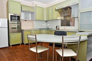 Kiev Osokorky Apartment