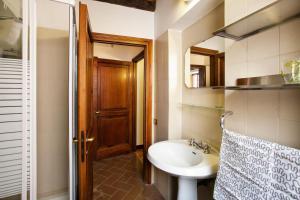 Il Monte degli Orsini, Apartments  Rome - big - 14