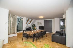 Apartment with 3 Sleeping Rooms, Schottenfeldgasse 26