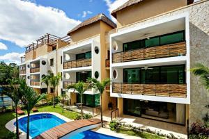 Encanto Condominiums by Top Rentals