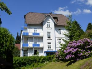 Hotel Fidelitas, Penziony  Bad Herrenalb - big - 37