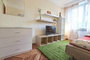 Apartments on Slavy Prospekt 64