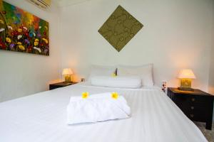 Seminyak Oasis, Bed and Breakfasts  Seminyak - big - 2