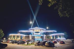 Отель Бригантина, Людиново
