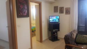 Holiday Home Raz, Apartments  Kefar Sava - big - 28